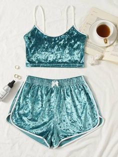 Lazy Day Outfits, Teen Girl Outfits, Crop Top Outfits, Girls Fashion Clothes, Fashion Outfits, Clothes For Women, Cute Pajama Sets, Cute Pajamas, Swaggy Outfits