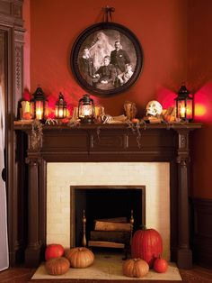 30 Easy DIY Halloween Craft Ideas for Your Home Decoration # # Victorian Halloween Decorations, Easy Halloween Decorations, Easy Halloween Crafts, Holidays Halloween, Vintage Halloween, Halloween Ideas, House Decorations, Halloween House, Halloween 2020