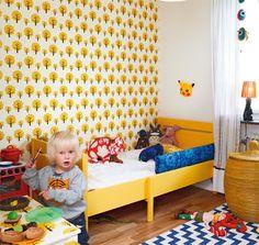 Mamamekko, love the yellow bed