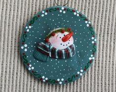 Unique polymer clay designs by Patti Umlauf by JessiesCornerClay Polymer Clay Christmas, Clay Design, Decorative Plates, Christmas Ornaments, Holiday Decor, Unique Jewelry, Tableware, Handmade Gifts, Kid Craft Gifts