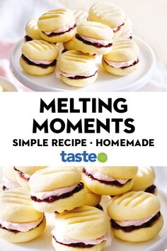 For a simple sweet treat try these delicious melting moments with raspberry puree! Fun Baking Recipes, Easy Cookie Recipes, Tea Recipes, Gourmet Recipes, Sweet Recipes, Holiday Recipes, Dessert Recipes, Cooking Recipes, Desserts
