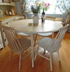 Pretty Shabby Chic Round Drop Leaf Table & 4 Chairs in Annie Sloan Old White and Country Grey