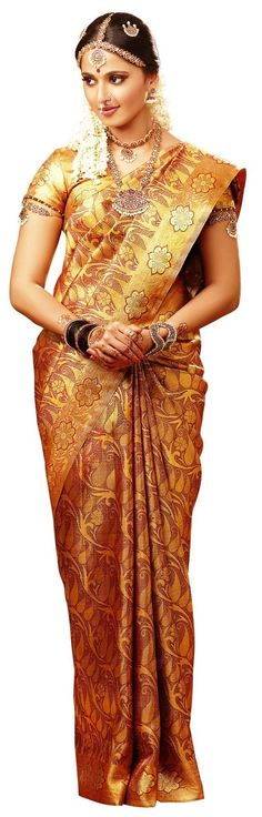 Cute Anushka Shetty in sweet designer saree