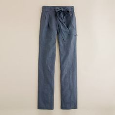 Linen pants, fitted through hip, relaxed thigh, straight leg.