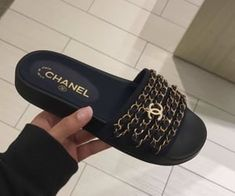 Beautiful Sandals, Cute Sandals, Shoes Sandals, Shoes Sneakers, Dr Shoes, Me Too Shoes, Gucci Fashion, Fashion Shoes, Chanel Sandals