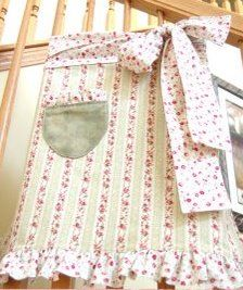A Feathered Nest: Country Cottage Apron Instructions Sewing Crafts, Sewing Projects, Sewing Ideas, Apron Tutorial, Cool Aprons, Sewing Aprons, Half Apron, Aprons Vintage, Camping Crafts