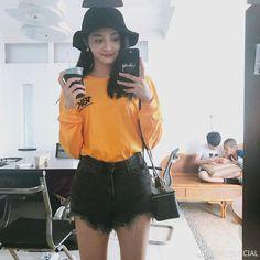 South Korean Girls, Korean Girl Groups, Pledis Girlz, Cosmic Girls, Chinese Actress, Ioi, Pledis Entertainment, Pretty Girls, Brown Hair