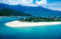 white sands, crystal blue waters: Danang Beach