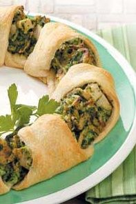 Chicken Crescent Appetizers. Makes a great side dish as well! #ChickenRecipes #Appetizers