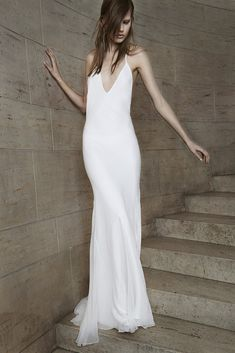 Vera Wang Bridal Spring 2015 - Slideshow - Runway, Fashion Week, Fashion Shows, Reviews and Fashion Images - WWD.com