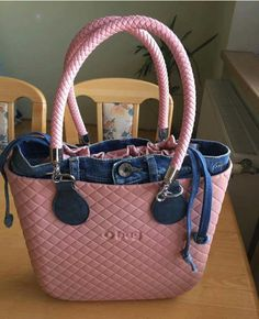 Kipling Bags, Pouch, Wallet, Candy Bags, How To Make Handbags, Cute Bags, Leather Fashion, Purses And Bags, Fashion Jewelry