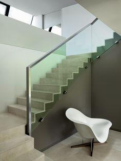 """2LB House by Raphaël Nussbaumer Architectes """"Location: Geneva, Switzerland"""" 2014 Stairs Architecture, Interior Architecture, Interior Design, Landscape Architecture, Stair Railing Design, Glass Stairs, Villa, Modern Stairs, Stairways"""