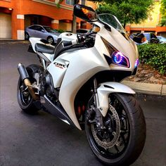 HONDA CBR1000RR. I need those headlights!