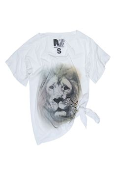 69.00 The Rebel Yell Airbrushed Lion Boyfriend Tee in White