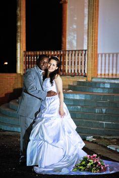 Debora veste Vestido de Noiva Bello&Bella Noivas