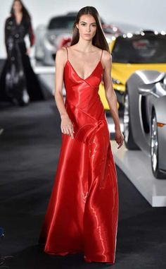 New York Fashion Week Spring Best Looks From the Runway Fashion 2018, Look Fashion, Fashion News, Fashion Show, Elegant Dresses For Women, Pretty Dresses, Camille Hurel, Satin Dresses, Beautiful Gowns
