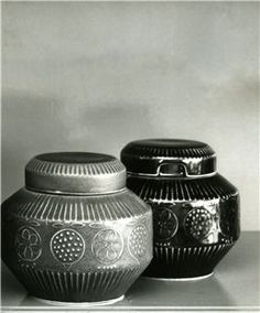 Arabia Finland 1965-69, Bonbonnier (hillotölkki) designer Ulla Procope, brown and blue