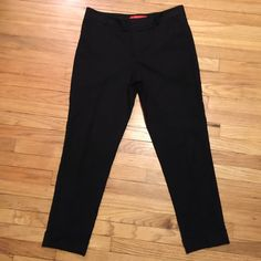 Anthropologie Cartonnier Lou taper pants - sz 6 Anthropologie Cartonnier Lou taper pants - sz 6. Inseam - 28 inches. Waist - 16 inches. Rise - 9 inches. Excellent condition. Anthropologie Pants Ankle & Cropped