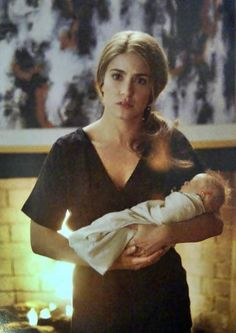 Breaking Dawn. Rosalie and Renesmee