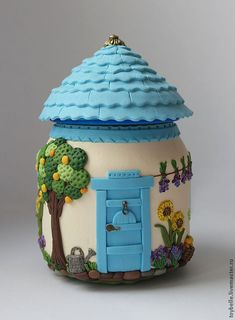 Used Jar and Polymer Clay Fairy House Fimo Polymer Clay, Polymer Clay Miniatures, Polymer Clay Jewelry, Clay Beads, Clay Earrings, Bottle Art, Bottle Crafts, Clay Fairy House, Clay Jar