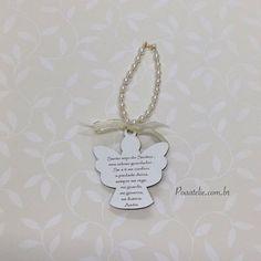 Excelente presente e preço! Peças exclusivas, não repetimos peça.  Av. Prof Mario Werneck, 1480 - loja 115 - Buritis - BH/MG 31 3309 4497 31 8474 4497 (whatsapp) Contato@poaatelie.com.br www.poaatelie.com.br  #poaatelie #poaateliedobebe #bebe #medalha #maternidade #nascimento #madrinha #lembrancinha #decoracao #babyroom #chupeta #bico #cristais #strass #batizado #dinda #madrinha #mandriao #anjodaguarda #padrinhos #vestido #caixapadrinhos #toalha #terco #batizadobh #batismobh #medalhao