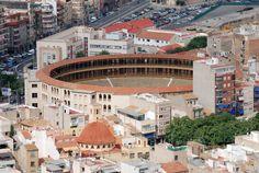 plaza de toros en hidalgo   Plaza de toros en la ciudad de Alicante, España.