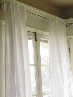 The Wicker House: $5 Curtains from sheets