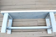 Farmhouse Bench Building Plans - get all the details for building this simple and stylish farmhouse bench. Perfect for the dining table or end of the bed. Diy Garden Furniture, Diy Pallet Furniture, Furniture Plans, Furniture Projects, Concrete Furniture, Furniture Cleaning, Furniture Repair, Furniture Dolly, Farmhouse Bench