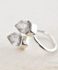 Ishtar Knuckle Ring