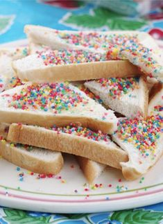 31 Totally Normal Australian Food Habits That The Rest Of The World Finds Very Strange Aussie Food, Australian Food, Fairy Bread, Rest, Breakfast, Morning Coffee