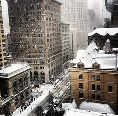 Snowfall in Midtown Manhattan, NYC