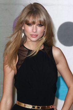 Estilo Taylor Swift, Selena And Taylor, Taylor Swift New, Taylor Swift Style, Taylor Swift Pictures, Taylor Swift Birthday, Dramatic Hair, Beautiful Young Lady, New Girl