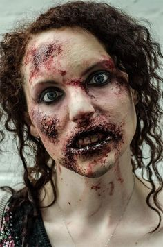 Easy zombie Halloween look! Blood, latex, cotton wool and a make-up pallette :) Love the colors! More Mehr Halloween Zombie Makeup, Zombie Prom, Halloween Kostüm, Halloween Contacts, Zombie Walk, Horror Makeup, Scary Makeup, Sfx Makeup, Blood Makeup