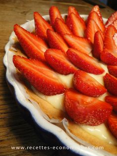 #tarte aux #fraises ~#thermomix Thermomix Desserts, Robot Thermomix, Cooking Chef, French Pastries, Bread Baking, Waffles, Brunch, Strawberry, Treats