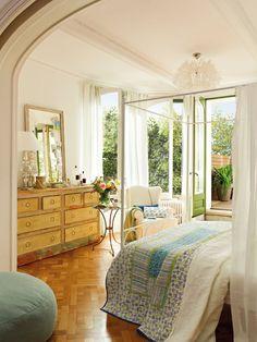 Un dormitorio con terraza en plena ciudad · ElMueble.com · Dormitorios
