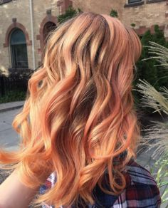 Although some people say that the inspiration for the color is the peach emoji … | Here's The Lowdown On The Hair Trend That's About To Take Over 2017