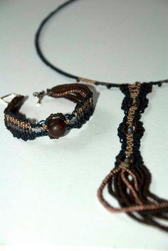 Long necklace & bracelet with macrame nods and beads