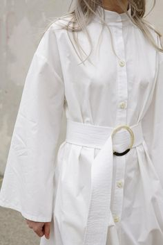 Delfina Balda Amaz Tunic in White Fashion Details, Fashion Design, Fashion Sketchbook, Brown Fashion, White Shirts, Contemporary Fashion, Stylish Outfits, Shirt Dress, Blouse