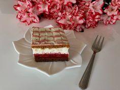 Czerwony kapturek - bajeczne ciasto z truskawkami! - Blog z apetytem Tiramisu, Waffles, Food And Drink, Coffee, Breakfast, Ethnic Recipes, Blog, Cakes, Coffee Cafe