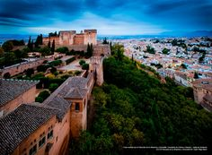 #Granada #Alhambra Spain And Portugal, Sunset, Mansions, House Styles, Wallpapers, Romantic Travel, Towers, Islands, Spain