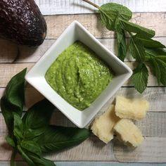 Dieses Avocado-Pesto schmeckt super zu Pasta schmeckt aber auch als Brotaufstrich. http://ift.tt/2h2k1rC - http://ift.tt/1Ku8h61