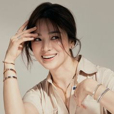 "SongHyeKyo Indonesia on Twitter: ""[New] #SongHyeKyo  IG updated . .@kyo1122 #Chaumet… "" Song Hye Kyo Style, Drama News, Chaumet, Song Joong Ki, How To Pose, Korean Celebrities, Real Beauty, Korean Actresses, Beautiful Asian Girls"