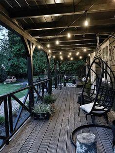Tuin overkapping Look inside at wendy_studiozinnig - Veranda. Outdoor Spaces, Outdoor Living, Outdoor Decor, Patio Design, Garden Design, Backyard Seating, Garden Inspiration, Home And Garden, Cottage