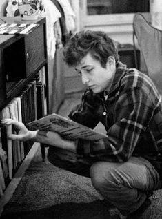 Bob Dylan and his records@hipppietrash✨                                                                                                                                                                                 More