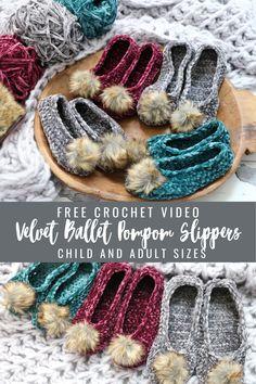 Easy Beginner Crochet Patterns, Crochet For Beginners, Easy Crochet, Free Crochet, Crochet Slipper Pattern, Crochet Shoes, Crochet Slippers, Crochet Crafts, Yarn Crafts