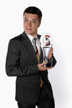 Josh Hutcherson CinemaCon 2012 Award. This is the award show that Chase was at when he met Josh. *tear*