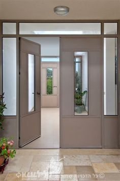 דלת כניסה מאלומיניום, מבית קליל