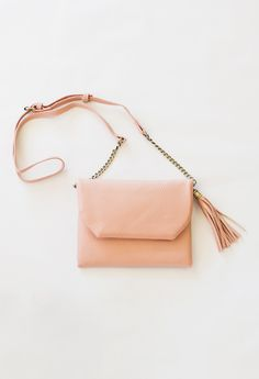 Crossbody handbag -- perfect for Spring!