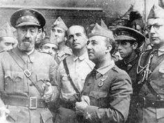 1939-09-29 El General Franco se entrevista con el Coronel Moscardó en el Alcázar de Toledo el 29 de septiembre de 1936. Le acompaña el General Valera, entre otros, y su primo Franco Salgado- Araújo