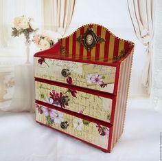 Мини-комоды ручной работы. Ярмарка Мастеров - ручная работа. Купить «Цветы и  письма» Мини-комод для украшений, винтаж. Handmade.